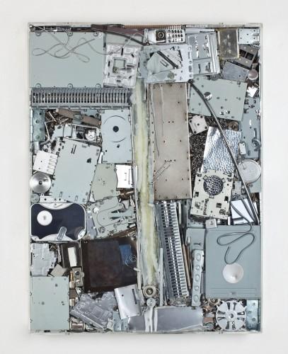 11 Vnitřní malba, 2012, kov, silokon, 120x80x10 cm